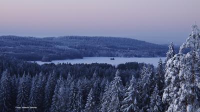 Talvinen maisema puijolta.
